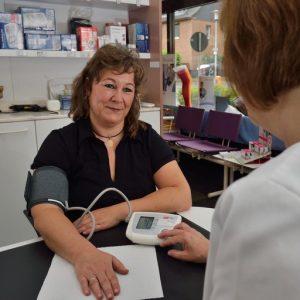 Blutdruckmessung in der Rosen-Apotheke Hürth